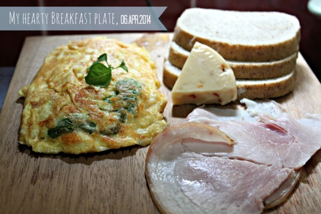 Spinach and Three-Cheese Omelet_1